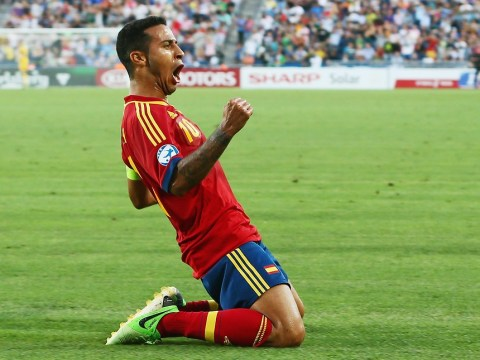 Johan Cruyff urges Barcelona to allow Thiago Alcantara to complete Manchester United transfer