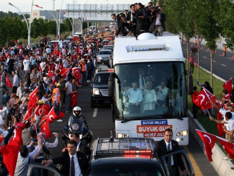 Turkey protesters 'are just a few looters and vandals', says prime minister Recep Tayyip Erdogan