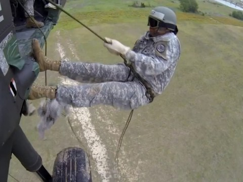 Worst soldiers ever? No, they are just training, but still…