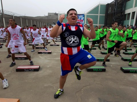 Gallery: Peruvian prisoners attempt world record workout