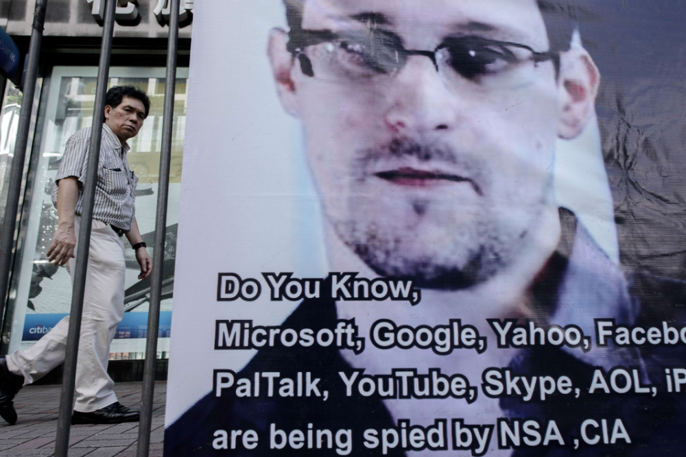Cat-and-mouse game over Edward Snowden goes on as whistleblower says he deliberately targeted NSA
