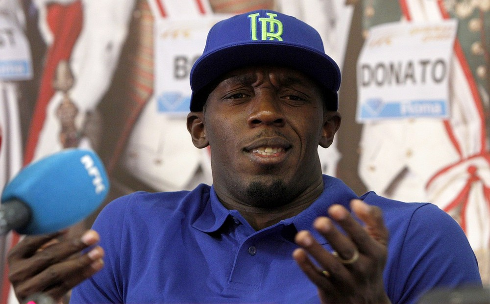 The Tipster: Usain Bolt is the bookies' big favourite to beat Mo Farah over one and a half laps