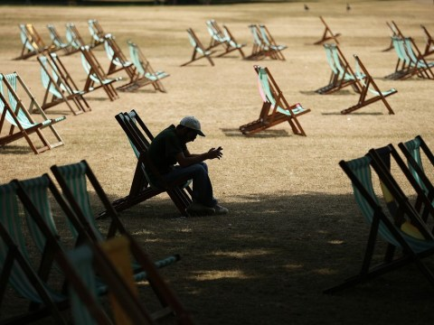 Health workers placed on increased alert as heatwave continues