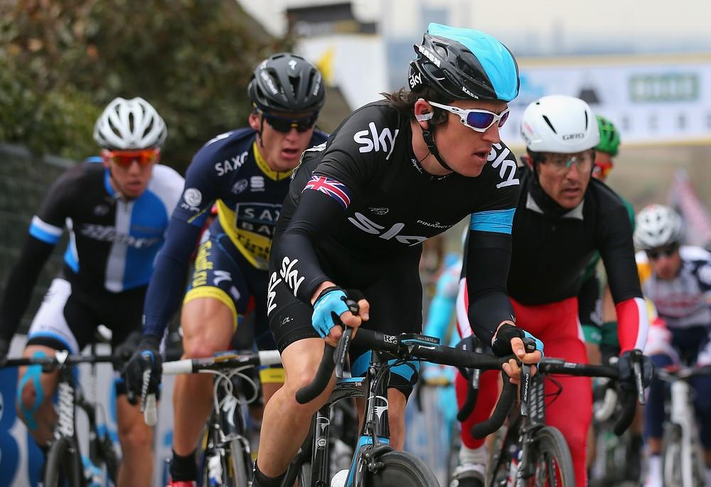 Geraint Thomas rides on in Tour de France despite pelvis fracture