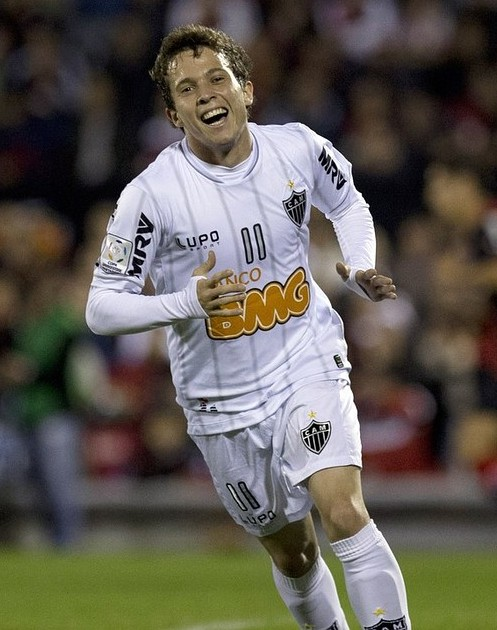 Arsenal want to sign Bernard from Atletico Mineiro, reveals player's father