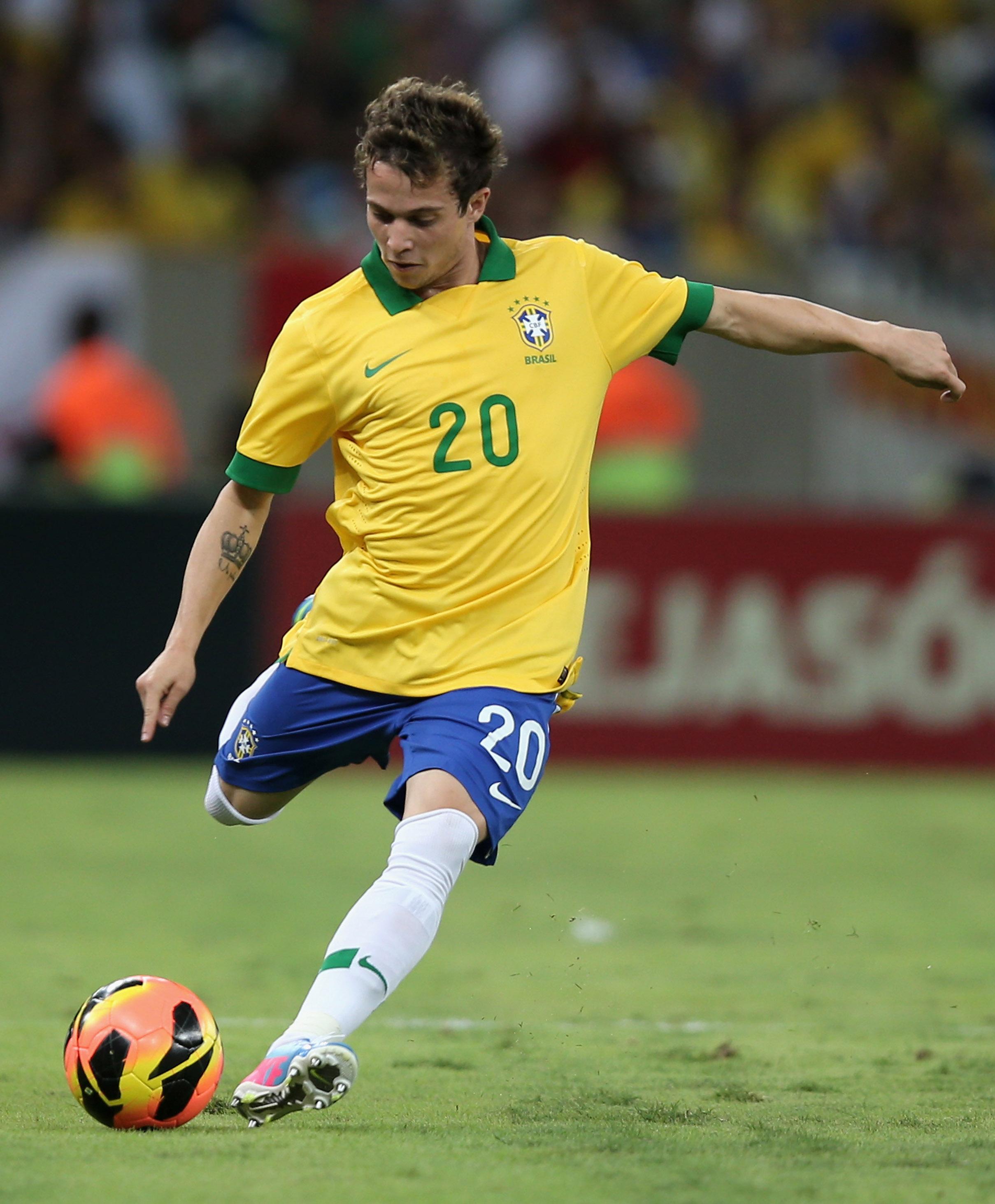 Atletico Mineiro reveal offers for Spurs target Bernard