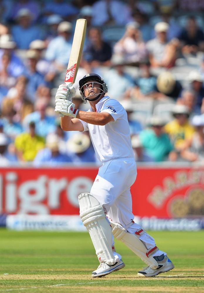 The Ashes 2013: Australia dismiss Jonathan Trott as batsman reaches 50