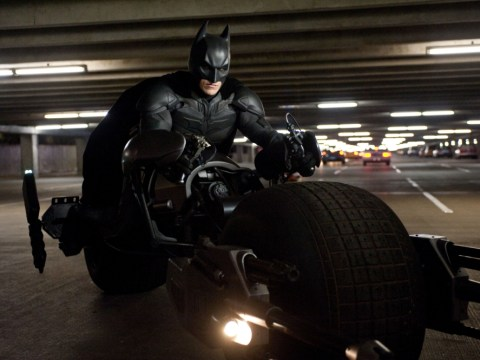 Ben Affleck's Batman v Superman suit doesn't have 'a single nipple', says Kevin Smith