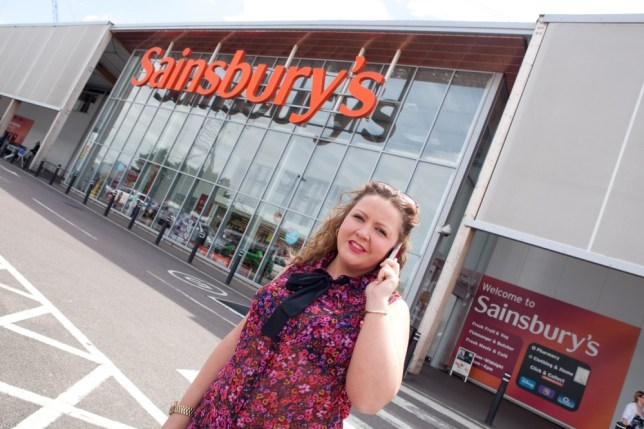 FROM JOHN JEFFAY AT CASCADE NEWS LTD    0161 660 8087 /  07771 957773  john@cascadenews.co.uk Syndicated for Bexley News Shopper Jo Clarke (26) was angry after being ordered to hang up the phone before she used the check out at Sainsbury's in Crayford on Monday. A SHOPPER was stunned when a checkout assistant refused to serve her ñ because she was on her mobile phone. Jo Clarke, 26, reached the front of a queue at Sainsburyís, in Crayford, south east London with her mid-week shop. The assistant told her: ìI will not check your shopping out until you get off your mobile phone.î She said she wouldnít serve her until she hung up. The store has since apologised and insists it does not have a policy of refusing to serve customers who are using a mobile.