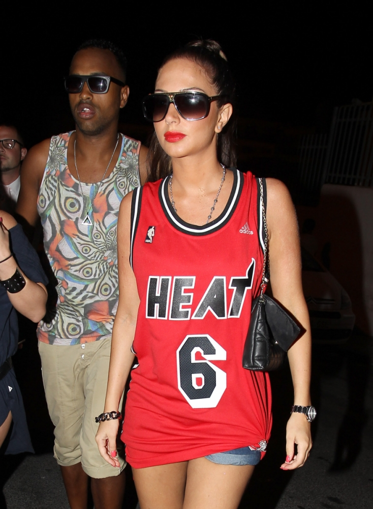 Tulisa Contostavlos ditches the heels for Tinie Tempah gig in Ibiza
