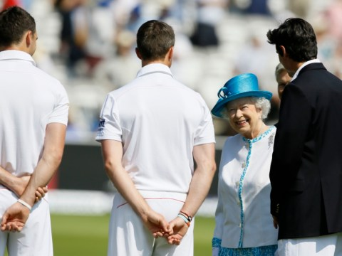 Gallery: Queen Elizabeth II meets players before second Ashes Test at Lord's