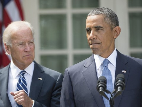 Syria crisis: Obama to seek approval of congress as UN inspectors arrive in Netherlands