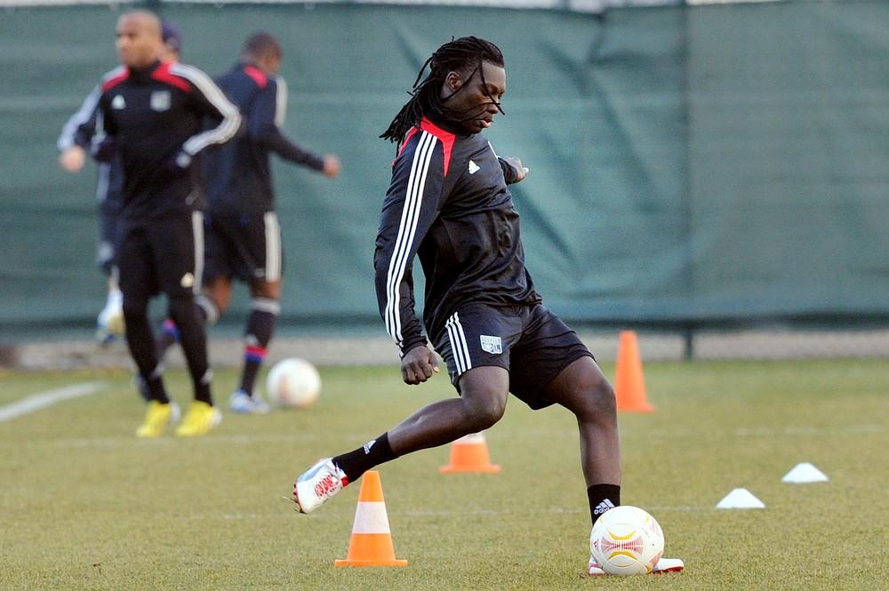 Newcastle to wrap up Bafetimbi Gomis transfer by next week