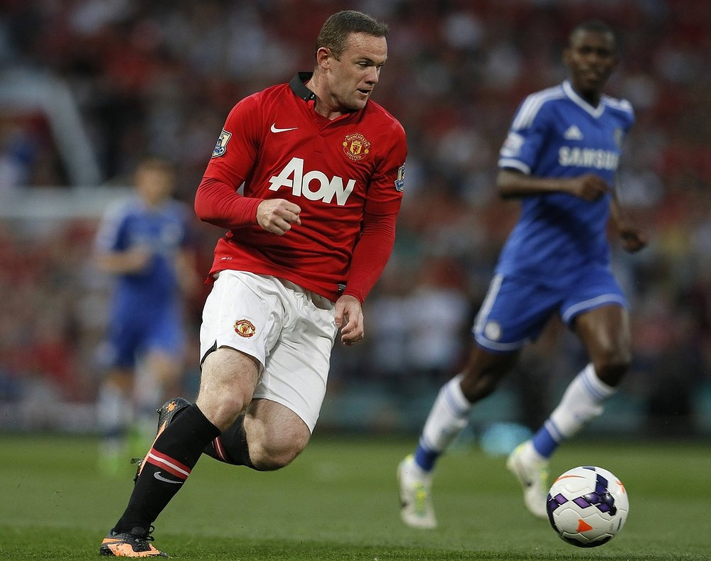 Wayne Rooney convinced to snub Chelsea and stay at Manchester United by the fans, says Nemanja Vidic