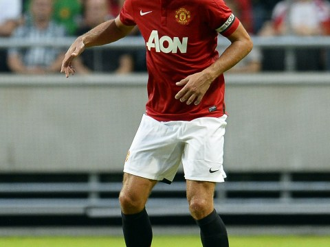 Manchester United offer Nemanja Vidic new contract to ward off AC Milan