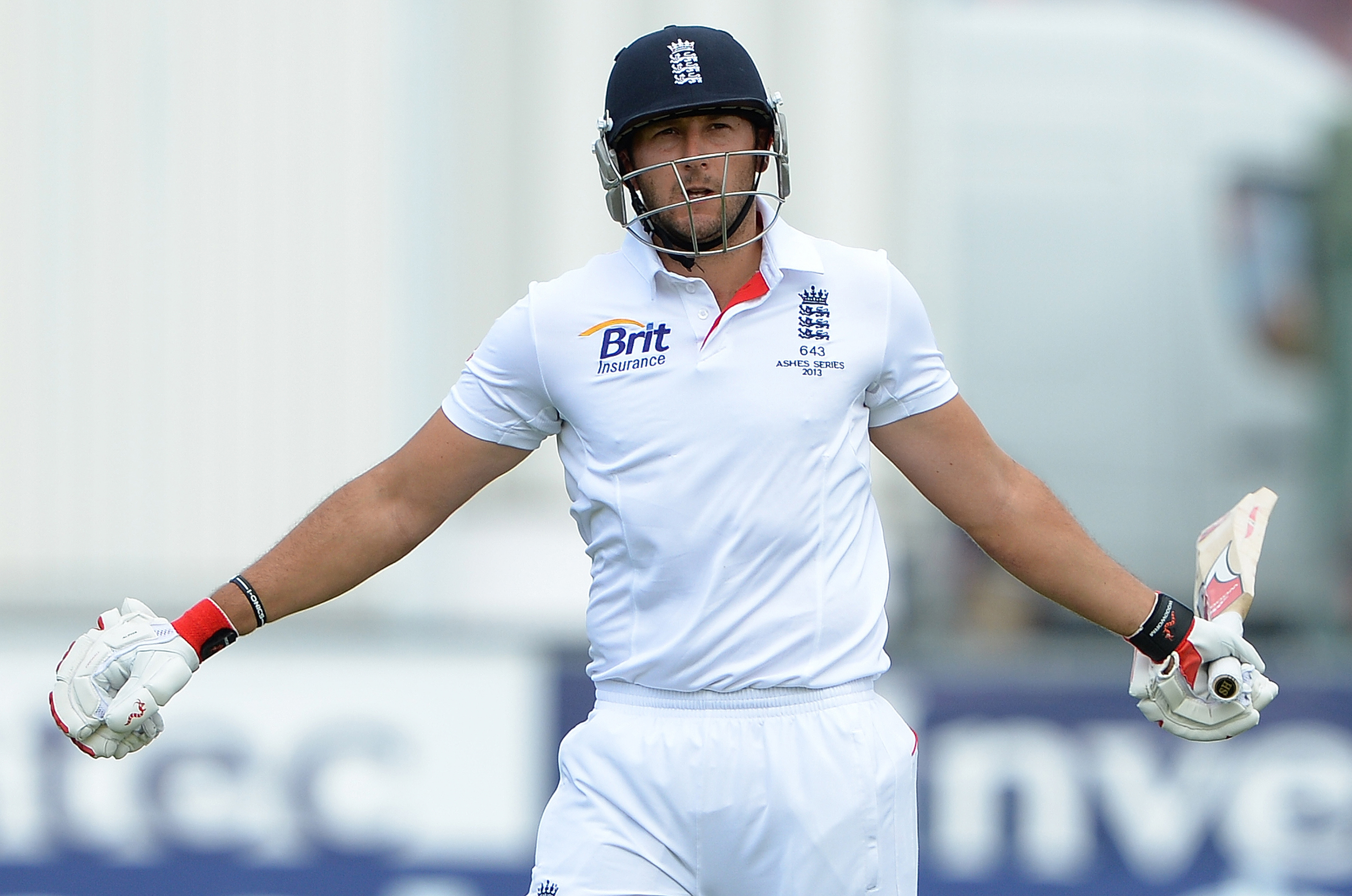 Tim Bresnan ruled out of Ashes finale after suffering back injury
