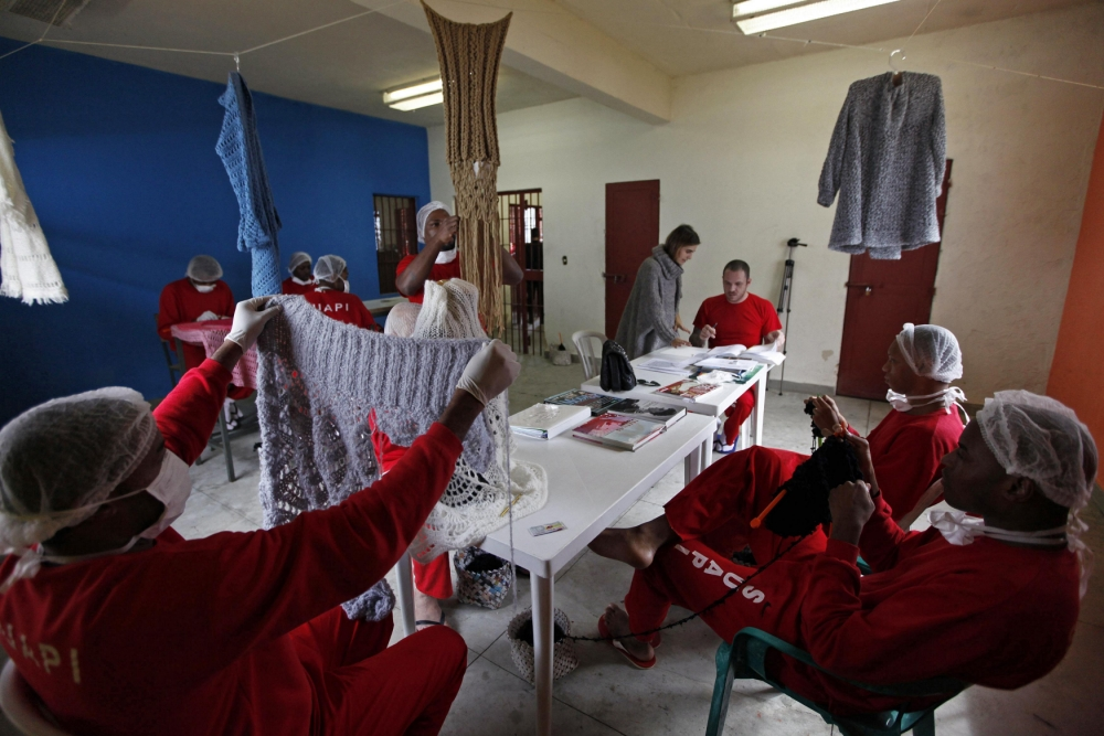 Brazil prison, knitting