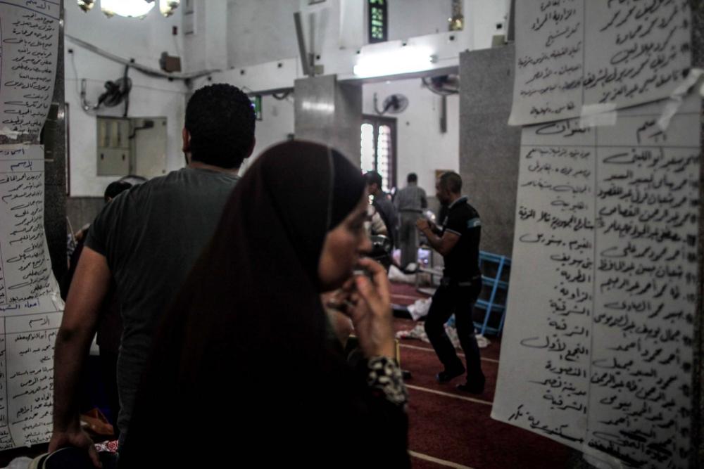Egypt: Barack Obama condemns violence that left hundreds dead
