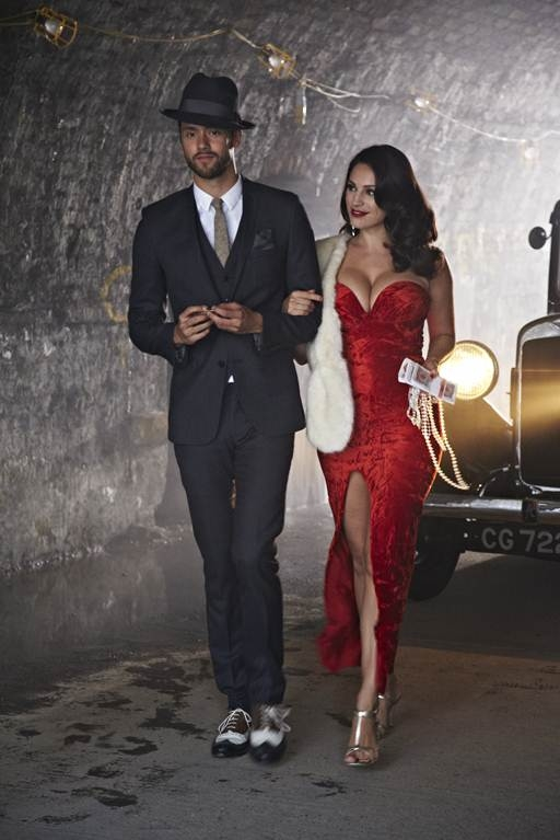 Kelly Brook stars in new Lawson music video for song called Juliet