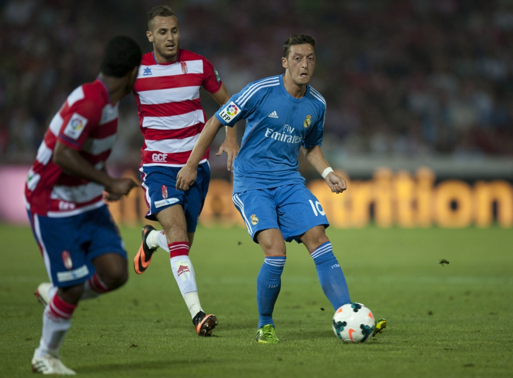 Arsenal on alert as Mesut Ozil and Iker Casillas endure frustrating Real Madrid outing