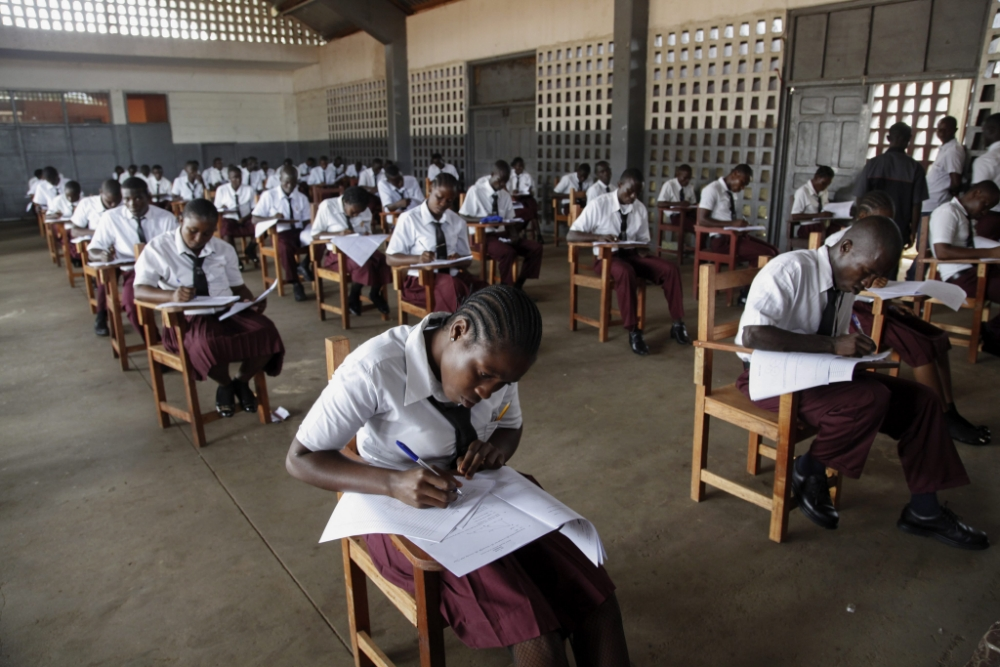25,000 students fail university entrance exam