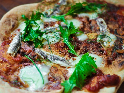 Make pizzas on your BBQ with this recipe