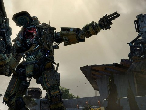 Minecraft and Titanfall battle for UK number one