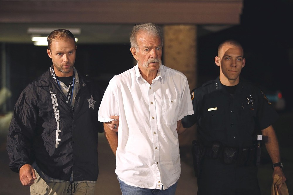 US pastor Terry Jones arrested with 3,000 Korans he was taking to burn in 9/11 protest
