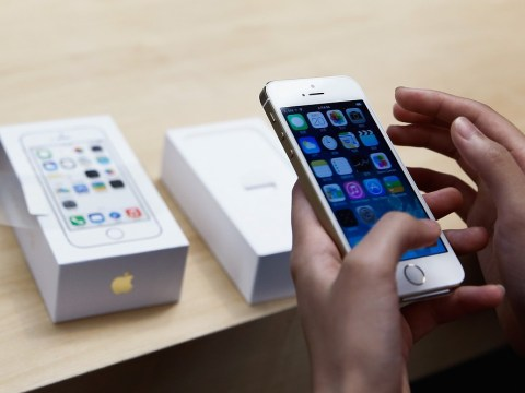 New iOS 7 bug 'allows users to dial numbers when iPhone 5S is locked'