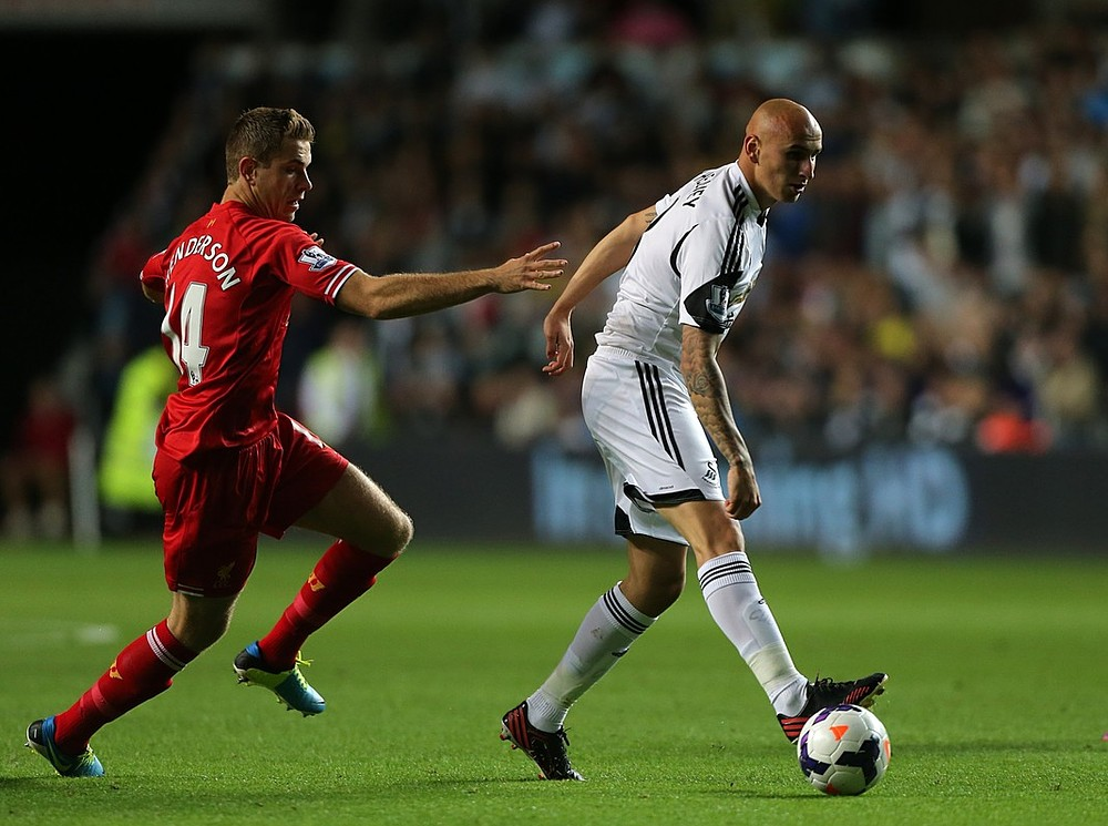 Jonjo Shelvey apologises after mistakes 'gift' Liverpool a draw