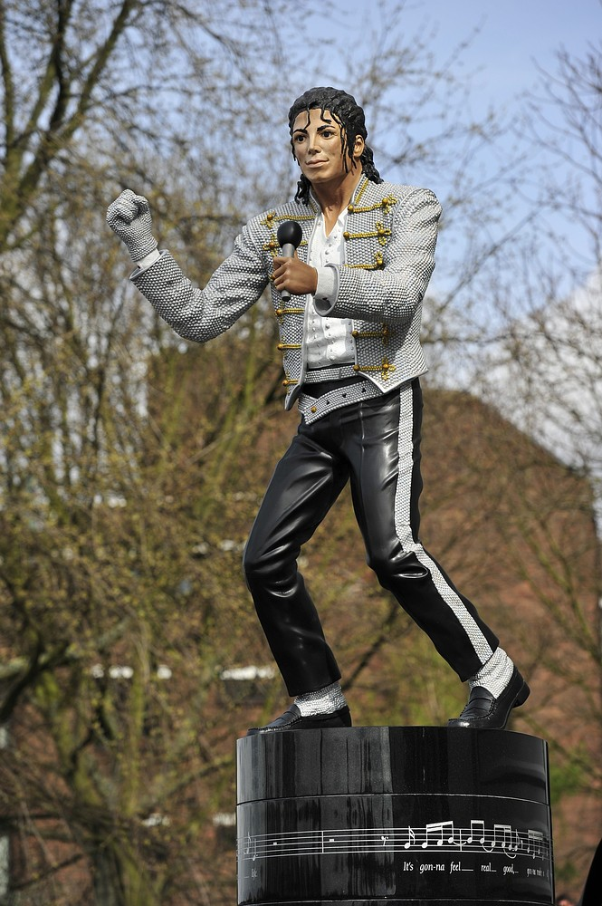 Fulham tell Michael Jackson statue to 'beat it' as Cottagers return sculpture to Mohamed Al Fayed