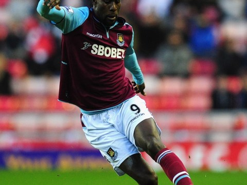 Carlton Cole poised to sign fresh deal with West Ham if he passes medical