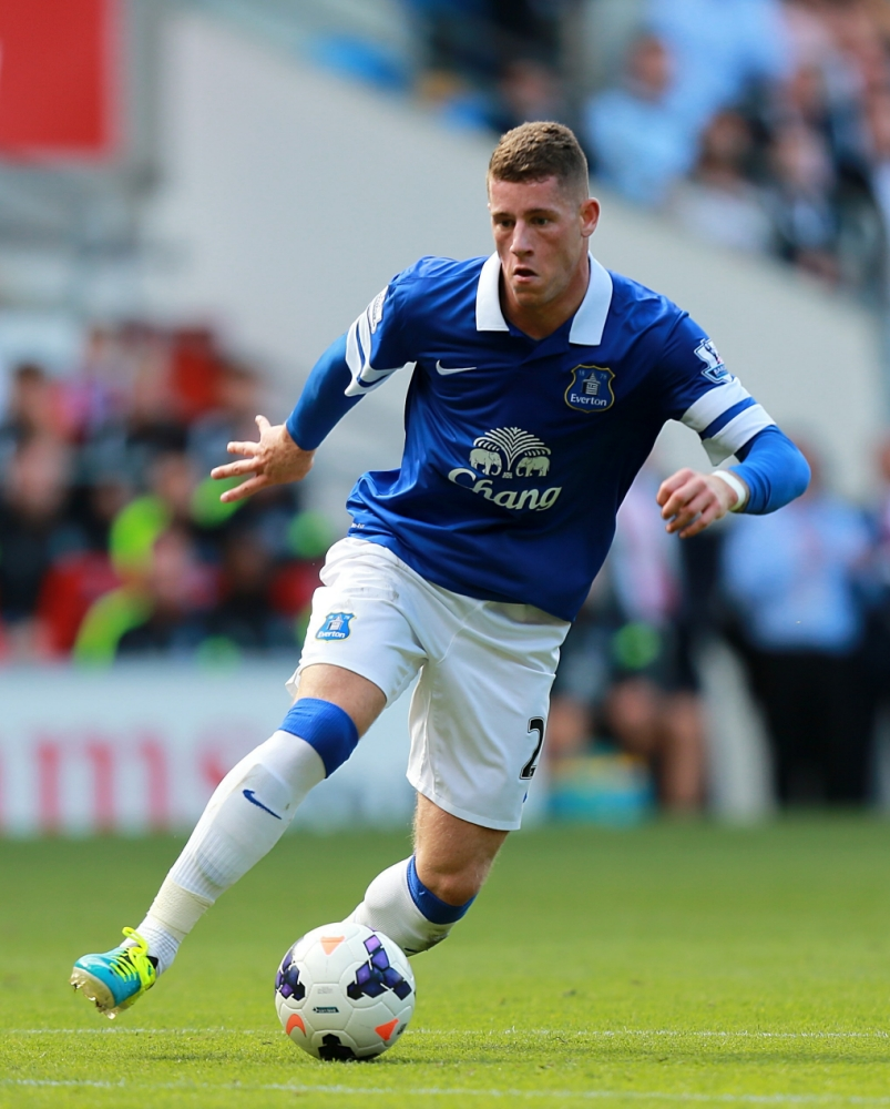 Chelsea to keep an eye on transfer target Ross Barkley in Everton clash
