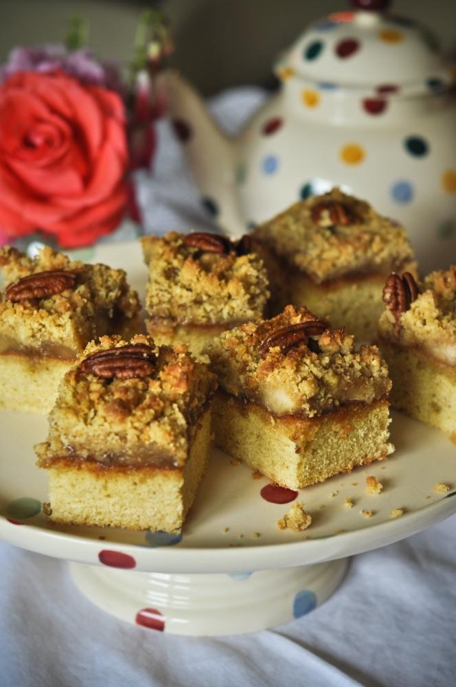 Recipes: Toffee apple crumble traybake