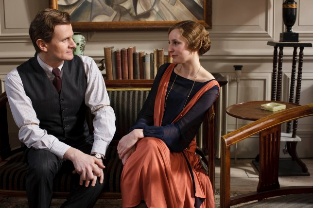 EMBARGOED_UNTIL_19TH_SEPTEMBER_DOWNTON_EP2_04