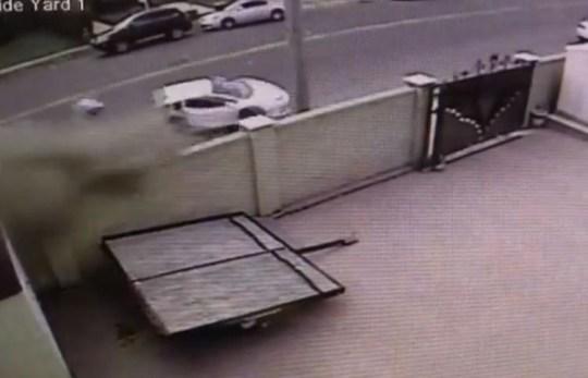 £250,000 Lamborghini Aventador splits in half after accident