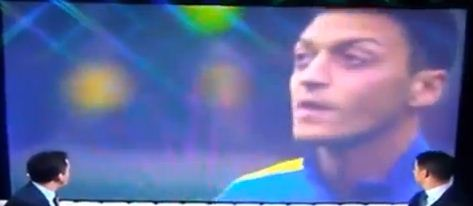 Mesut Ozil displays impressive chewing gum trick before Arsenal's win at Swansea – video
