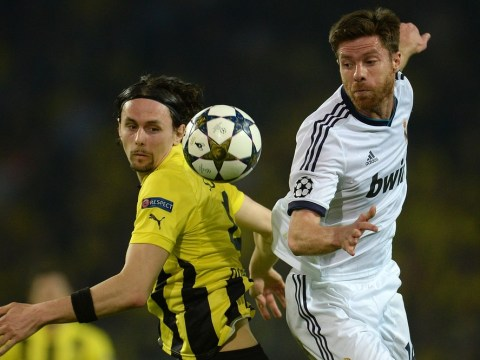 Chelsea 'willing to offer Xabi Alonso three-year-deal' to lure him to Stamford Bridge