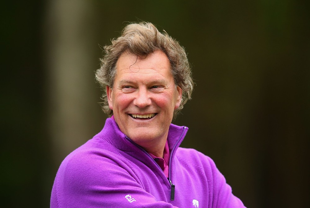 Glenn Hoddle invited back into the fold as part of FA chairman Greg Dyke's plans to improve the England team