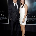 "Actors George Clooney and Sandra Bullock arrive for the film premiere of ""Gravity"" in New York  October 1, 2013. REUTERS/Andrew Kelly (UNITED STATES - Tags: ENTERTAINMENT)"