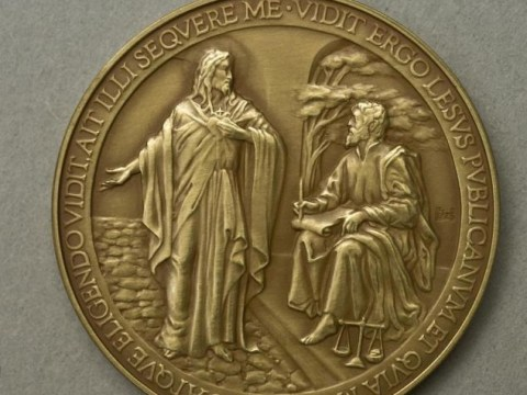 What would Lesus do? Vatican recalls Pope Francis medals after Jesus spelling error