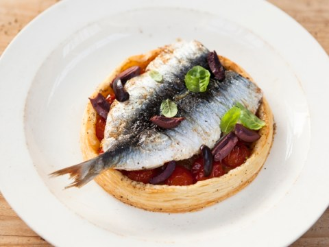 How to cook tomato tart and sardines