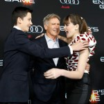 """Cast members Asa Butterfield (L), Hailee Steinfeld (R) and Harrison Ford greet each other at the premiere of """"Ender's Game"""" at the TCL Chinese theatre in Hollywood, California October 28, 2013. The movie opens in the U.S. on November 1.  REUTERS/Mario Anzuoni (UNITED STATES - Tags: ENTERTAINMENT)"""