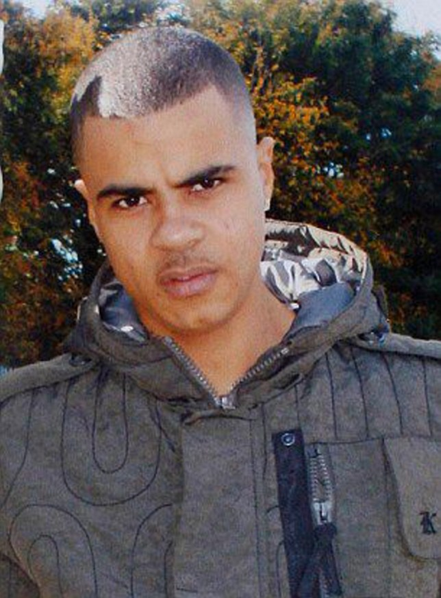 Mark Duggan minicab driver: Officers said they'd shoot me, too