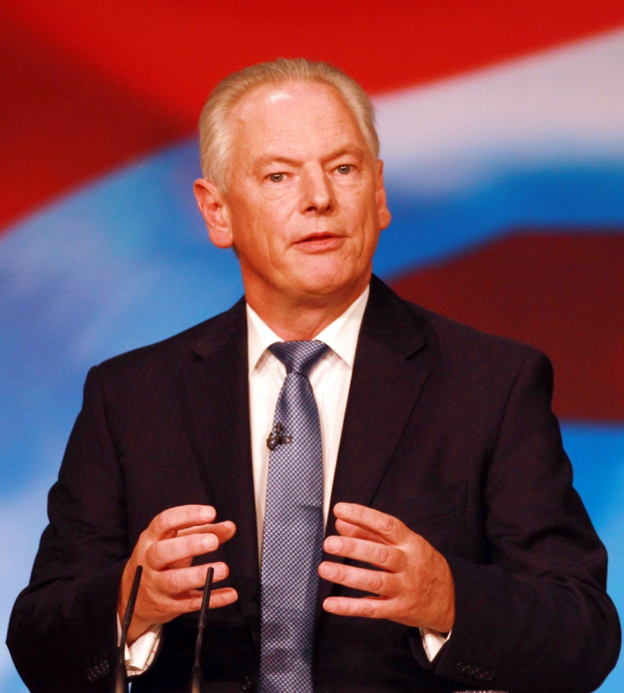 Francis Maude installs own Wi-Fi and shows that in government a little knowledge can be a very dangerous thing