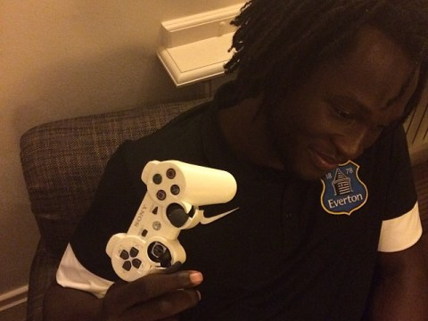 Stroppy! Romelu Lukaku destroys PS3 controller after losing to Kevin Mirallas