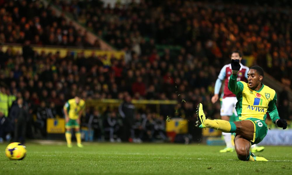 Norwich City emerge victorious over West Ham in the original game of two halves