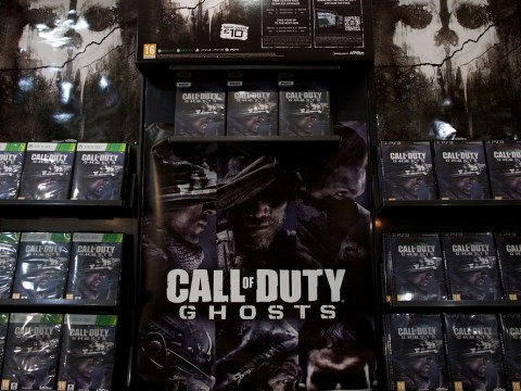 Call of Duty Ghosts pulls out big guns to beat GTA 5 in sales war