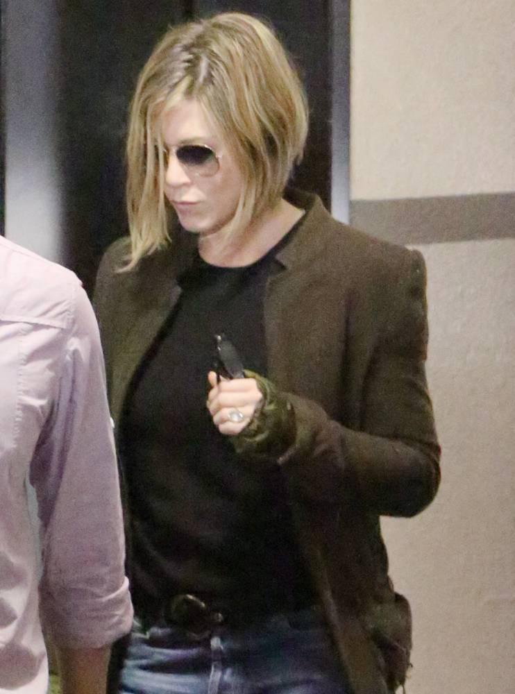 Jennifer Aniston shows off a short blonde bob haircut after