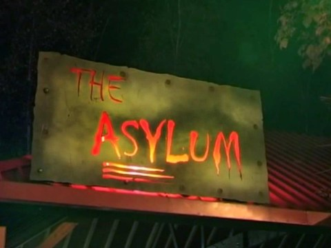Thorpe Park 'considering changing Asylum maze over name row'